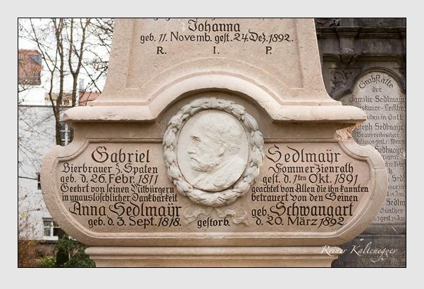 Grab der Familien Müller & Sedlmayr auf dem Alten Südfriedhof München (Januar 2014)