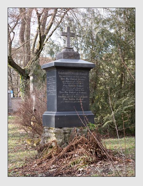Grab der Familie Simhart auf dem Alten Südfriedhof München (Februar 2014)