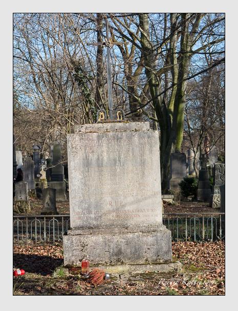 Grab der Familie Paulus auf dem Alten Südfriedhof München (Februar 2014)