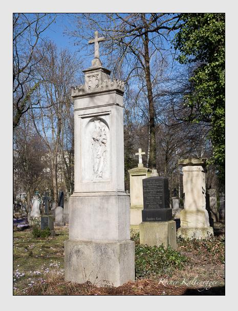 Grab der Familie Zenetti auf dem Alten Südfriedhof München (Februar 2014)