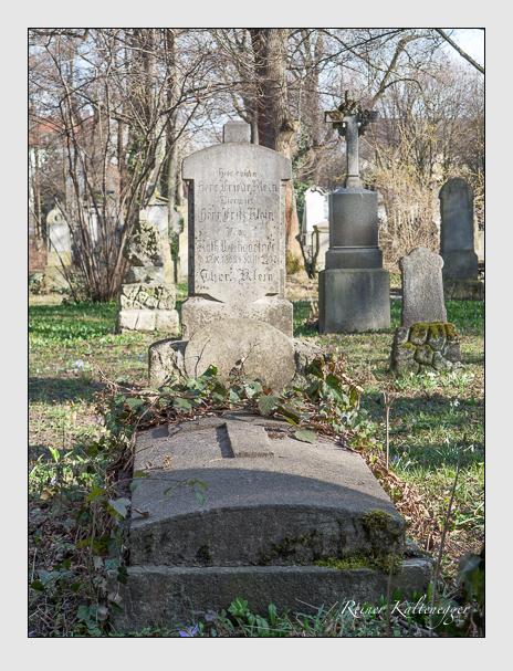 Grab der Familien Klein & Weingartner auf dem Alten Südfriedhof München (März 2014)