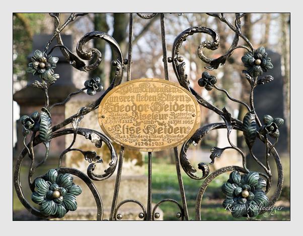 Grab der Familie Heiden auf dem Alten Südfriedhof München (März 2014)