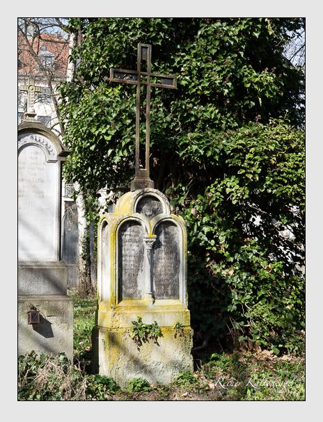 Grab der Familie Dopfer auf dem Alten Südfriedhof München (März 2014)