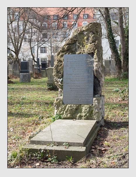 Grab der Familien Dietz & Moser auf dem Alten Südfriedhof München (März 2014)