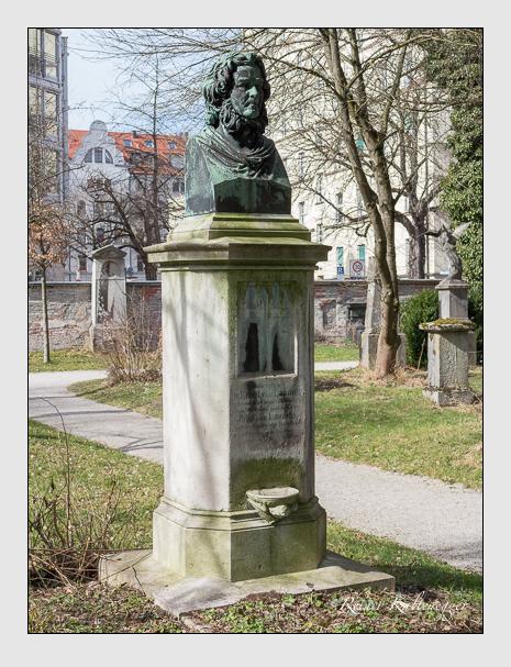 Grab der Familie Lasaulx auf dem Alten Südfriedhof München (März 2014)