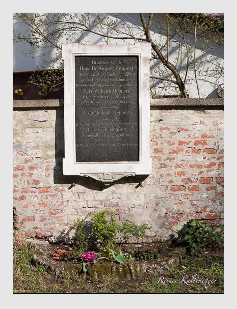 Grab der Familie Deppert auf dem Alten Südfriedhof München (März 2014)