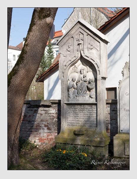 Grab der Familie Möhler auf dem Alten Südfriedhof München (März 2014)