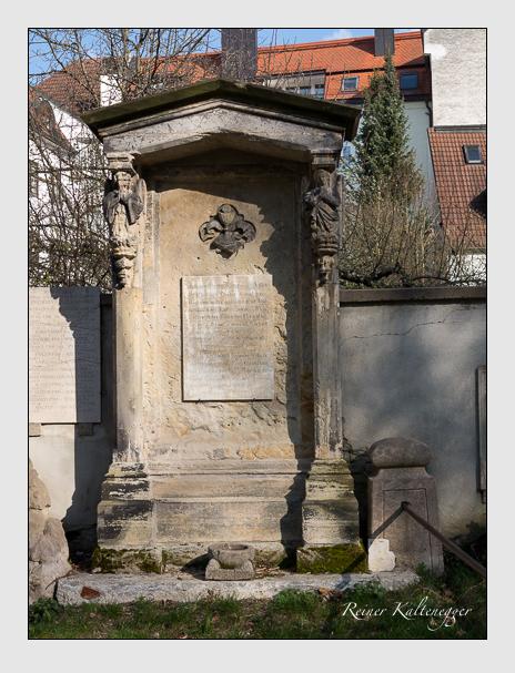 Grab- und Gedenkstätte der Bayerischen Edelknaben (März 2014)