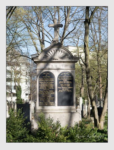 Grab der Familie Lintner auf dem Alten Südfriedhof München (März 2014)