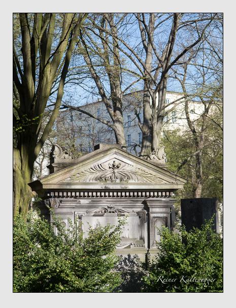 Grab der Familie Huber auf dem Alten Südfriedhof München (März 2014)