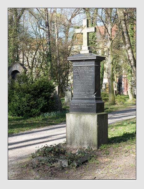 Grab der Familie Angstwurm auf dem Alten Südfriedhof München (März 2014)