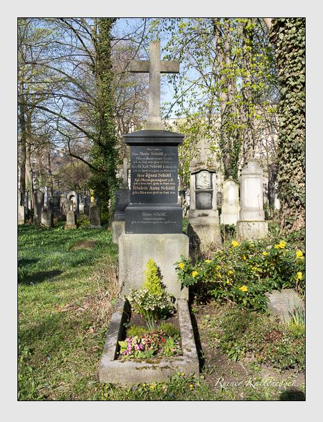 Grab der Familie Schöttl auf dem Alten Südfriedhof München (März 2014)