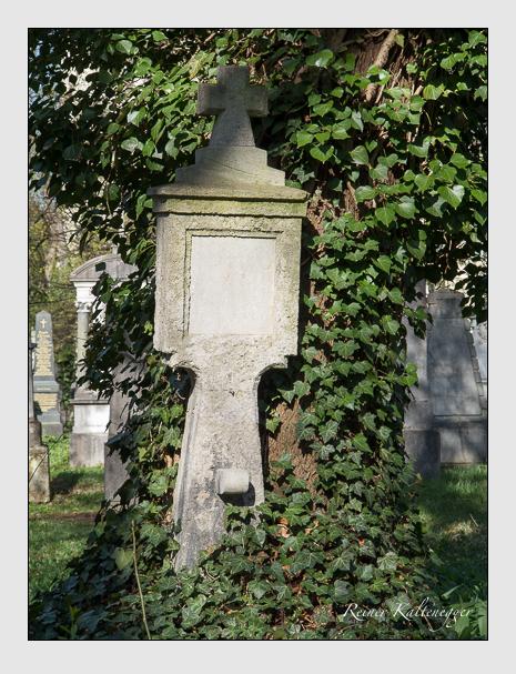 Grab der Familie Stoiber auf dem Alten Südfriedhof München (März 2014)
