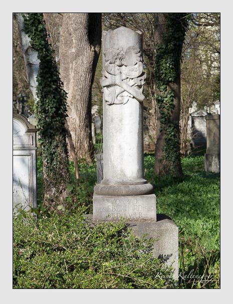 Grab der Familie Eberhard auf dem Alten Südfriedhof München (März 2014)