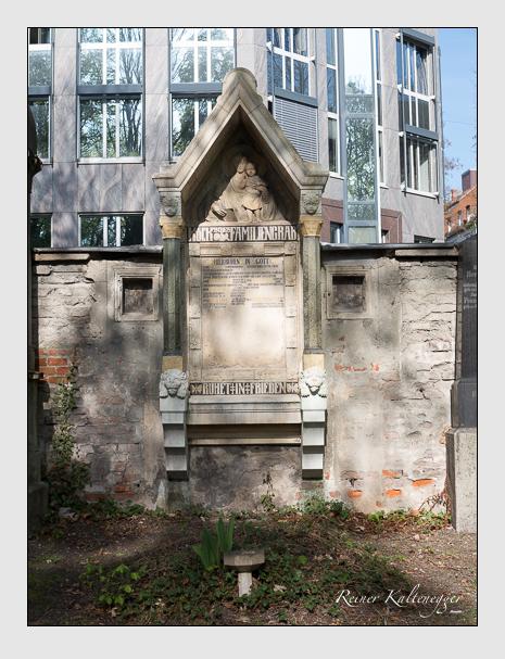 Grab der Familien Köck · Seidl auf dem Alten Südfriedhof München (April 2014)