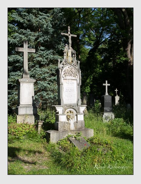 Grab der Familie Ostermaier auf dem Alten Südfriedhof München (Juni 2014)