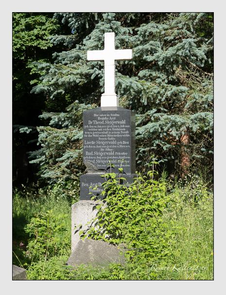 Grab der Familie Steigerwald auf dem Alten Südfriedhof München (Juni 2014)