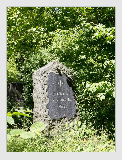 Grab der Familien Dreselly & Morin auf dem Alten Südfriedhof München (Juni 2014)