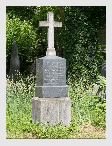 Grab der Familie Diezel auf dem Alten Südfriedhof München (Juni 2014)