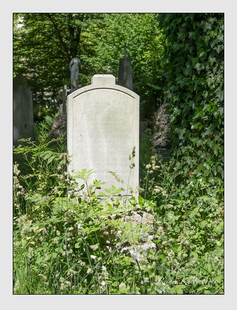 Grab der Familie Uhlmann auf dem Alten Südfriedhof München (Juni 2014)