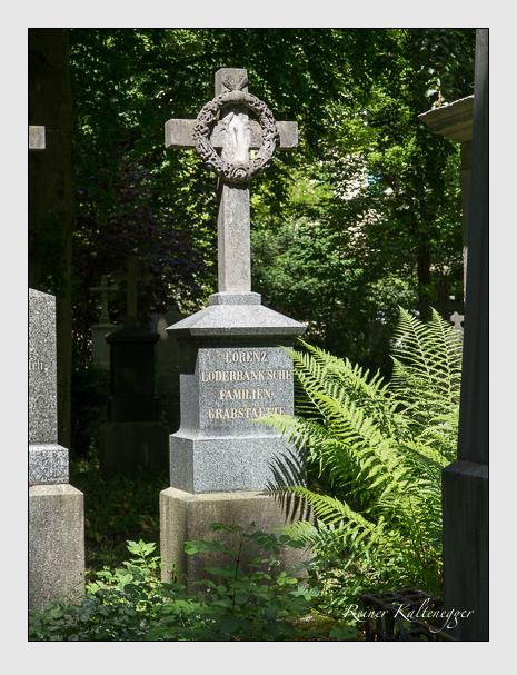 Grab der Familie Loderbank auf dem Alten Südfriedhof München (Juni 2014)