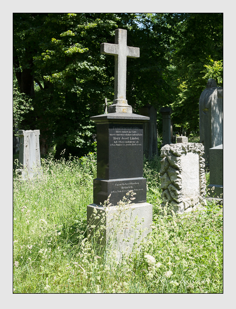 Grab der Familie Lindner auf dem Alten Südfriedhof München (Juni 2014)