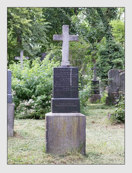 Grab der Familie Schuster auf dem Alten Südfriedhof München (Juni 2014)