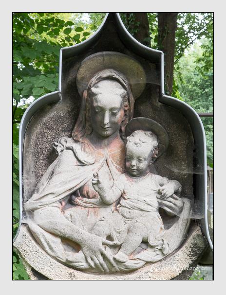 Grab der Familie Wahl auf dem Alten Südfriedhof München (Juni 2014)