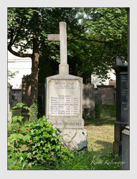Grab der Familien Baur & Decker & Köberle & Staab auf dem Alten Südfriedhof München (Juni 2014)
