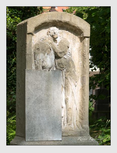 Grab der Familie Krämer auf dem Alten Südfriedhof München (Juni 2014)