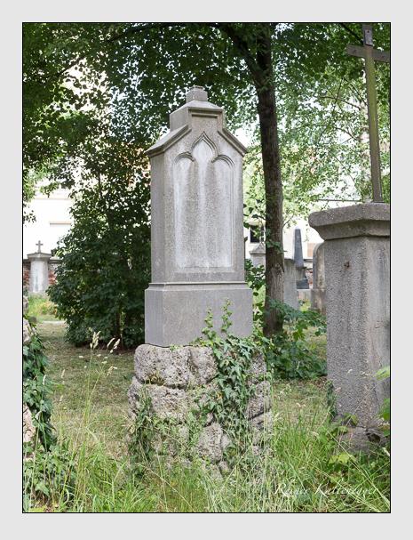 Grab der Familie Rall auf dem Alten Südfriedhof München (Juni 2014)