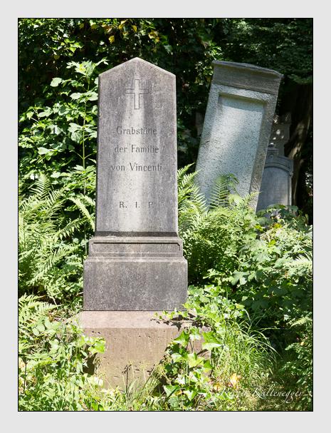 Grab der Familie Vincenti auf dem Alten Südfriedhof München (Juni 2014)