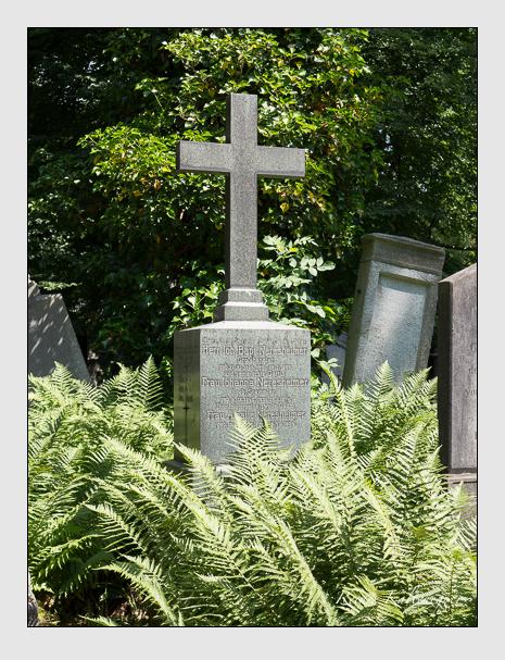 Grab der Familie Neresheimer auf dem Alten Südfriedhof München (Juni 2014)