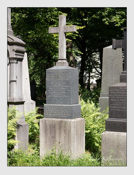 Grab der Familien März & Sedlmayer auf dem Alten Südfriedhof München (Juni 2014)