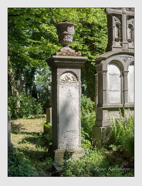 Grab der Familie Köppel auf dem Alten Südfriedhof München (Juni 2014)