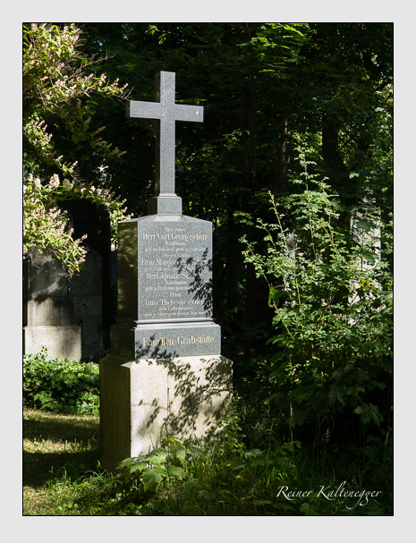 Grab der Familie Scherr auf dem Alten Südfriedhof München (Juni 2014)