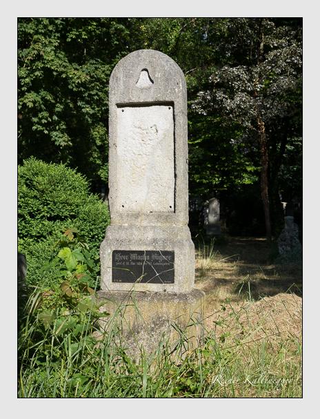Grab der Familie Aigner auf dem Alten Südfriedhof München (Juni 2014)