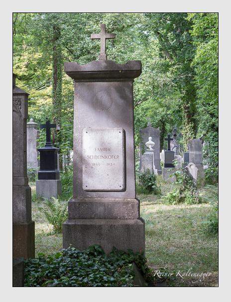 Grab der Familie Schleinkofer auf dem Alten Südfriedhof München (Juni 2014)