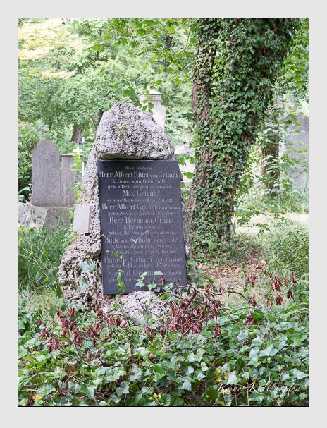 Grab der Familie Grimm auf dem Alten Südfriedhof München (Juni 2014)