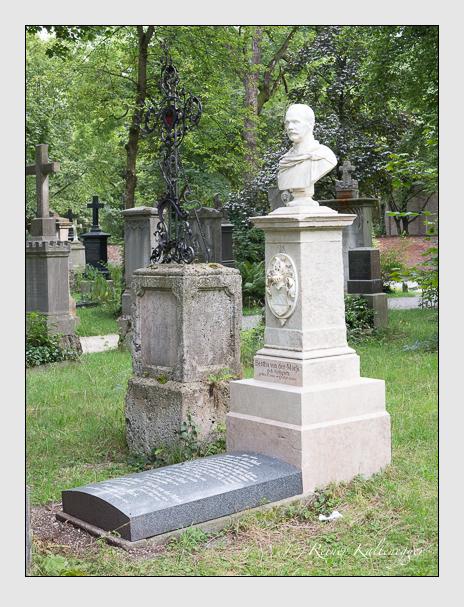 Grab der Familie Mark auf dem Alten Südfriedhof München (Juli 2014)