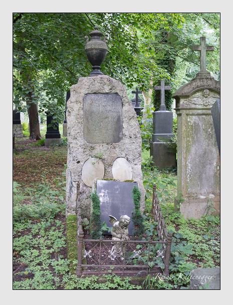 Grab der Familie Hellmann auf dem Alten Südfriedhof München (Juli 2014)