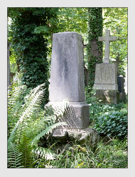 Grab der Familien Becker & Eckard auf dem Alten Südfriedhof München (August 2014)