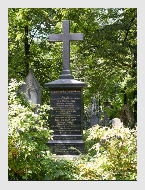 Grab der Familien Leitner · Lutz auf dem Alten Südfriedhof München (August 2014)