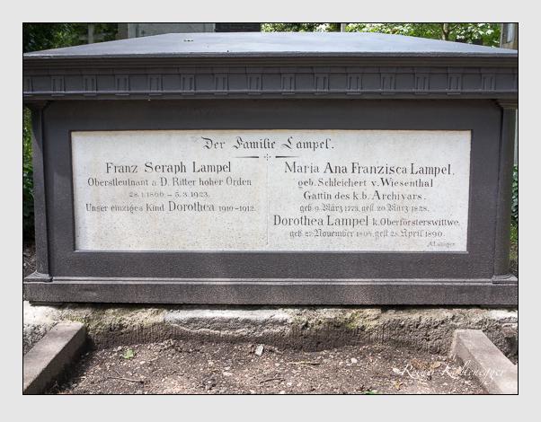 Grab der Familie Lampel auf dem Alten Südfriedhof München (August 2014)