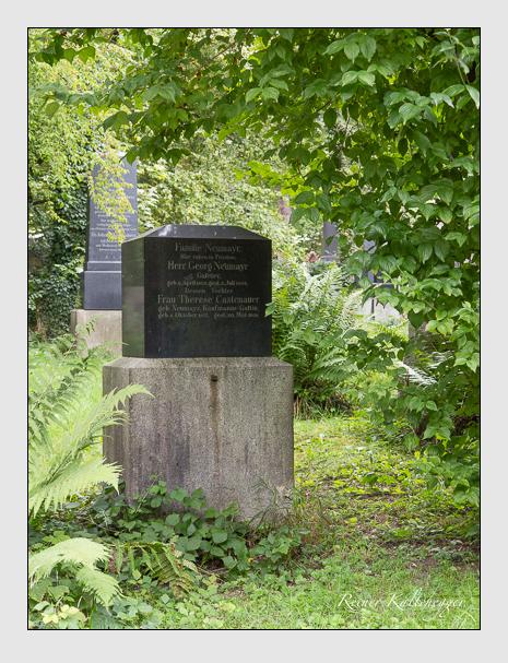 Grab der Familien Castenauer · Forster · Neumayr auf dem Alten Südfriedhof München (August 2014)