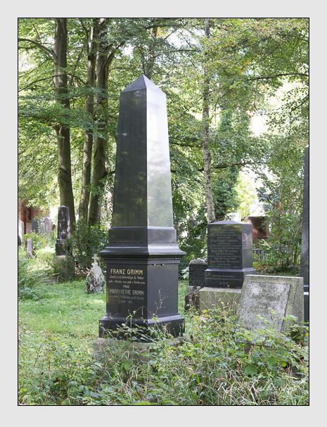 Grab der Familie Grimm auf dem Alten Südfriedhof München (August 2014)