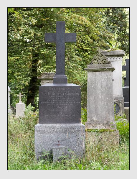 Grab der Familie Schröder auf dem Alten Südfriedhof München (August 2014)