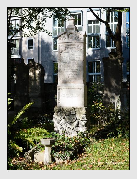 Grab der Familie Heiß auf dem Alten Südfriedhof München (Oktober 2014)