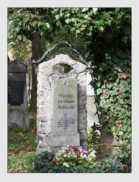 Grab der Familien Aiblinger & Gablonsky auf dem Alten Südfriedhof München (Oktober 2014)
