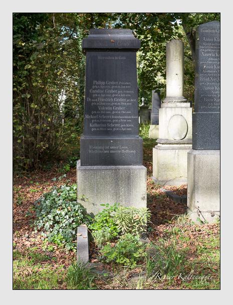 Grab der Familien Gruber & Scherer auf dem Alten Südfriedhof München (Oktober 2014)